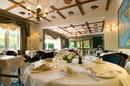 Ecusson - Manoir Hôtel  - La salle de restaurant -
