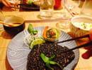 , Plat : Nobuki Table Japonaise  - Thon sésame noir sauce wasabi -
