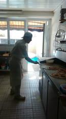 , Plat : Roma Pizza  - L art de prendre la pizza avec la pelle -