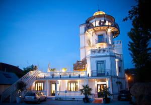 la tour saint simond restaurant de cuisine traditionnelle aix les bains avec l 39 internaute. Black Bedroom Furniture Sets. Home Design Ideas
