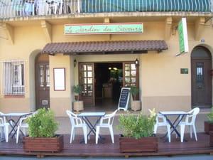Photos de petit cafe amelie les bains palalda 66110 for Jardin 1001 saveurs