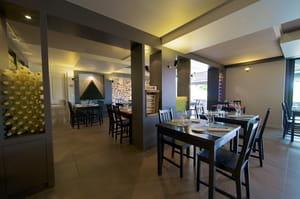 restaurant l 39 atelier des 4 gourmets. Black Bedroom Furniture Sets. Home Design Ideas