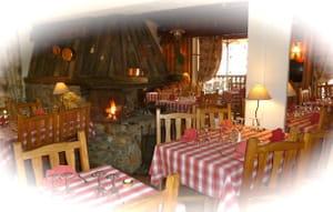le charbon de bois restaurant de fromage les deux alpes avec l 39 internaute. Black Bedroom Furniture Sets. Home Design Ideas