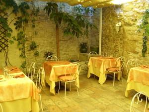 Lou clapas restaurant de cuisine traditionnelle milhaud - Milhaud cuisine ...