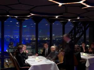 le jules verne restaurant gastronomique paris avec l 39 internaute. Black Bedroom Furniture Sets. Home Design Ideas