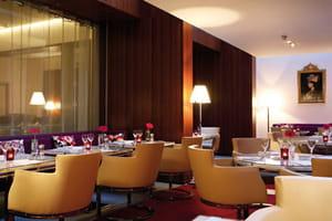 restaurant de l 39 h tel de sers h tel palace paris avec l 39 internaute. Black Bedroom Furniture Sets. Home Design Ideas