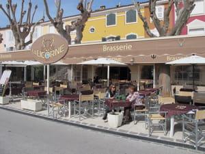 La licorne restaurant de cuisines de france port for Restaurant port grimaud