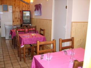 restaurant au petit bouchon restaurant de cuisine traditionnelle reims avec l 39 internaute. Black Bedroom Furniture Sets. Home Design Ideas