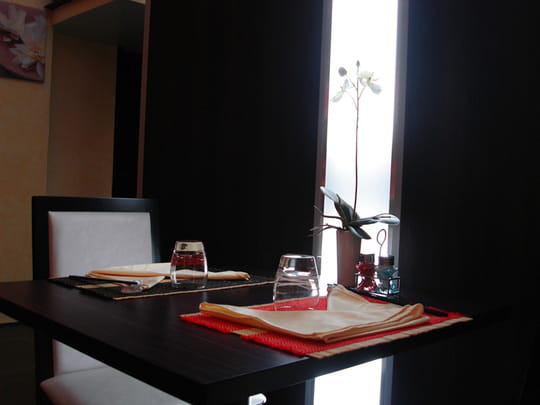 le jardin d 39 asie restaurant chinois grenoble avec l 39 internaute. Black Bedroom Furniture Sets. Home Design Ideas