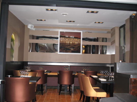 le petit ni ois restaurant de cuisine traditionnelle paris avec l 39 internaute. Black Bedroom Furniture Sets. Home Design Ideas