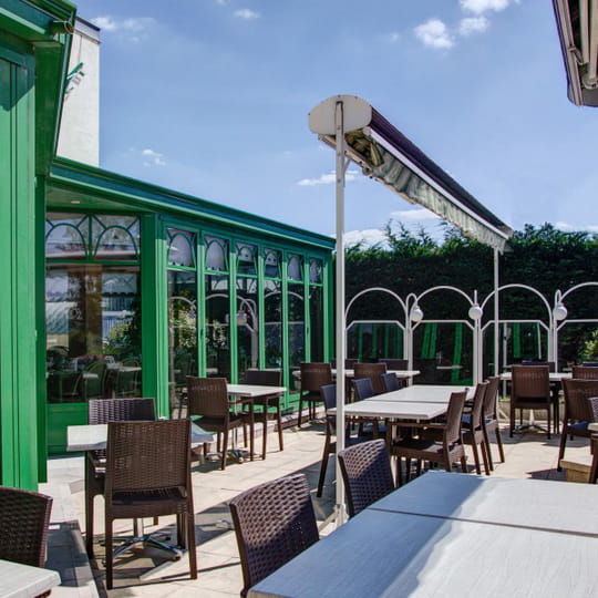 restaurant la veranda restaurant de cuisine traditionnelle chenove avec l 39 internaute. Black Bedroom Furniture Sets. Home Design Ideas