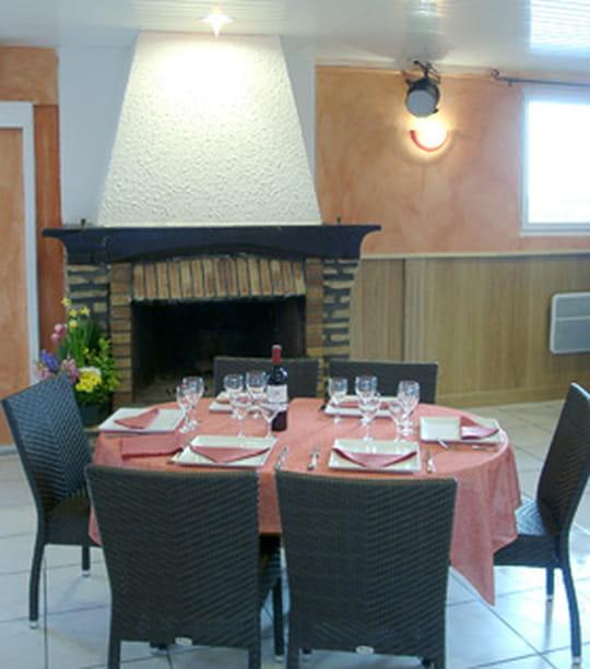 le taxiway restaurant de cuisine traditionnelle cormeilles en vexin avec l 39 internaute. Black Bedroom Furniture Sets. Home Design Ideas