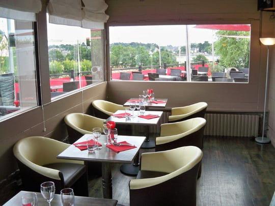 la voile rouge restaurant de cuisine traditionnelle vannes avec l 39 internaute. Black Bedroom Furniture Sets. Home Design Ideas