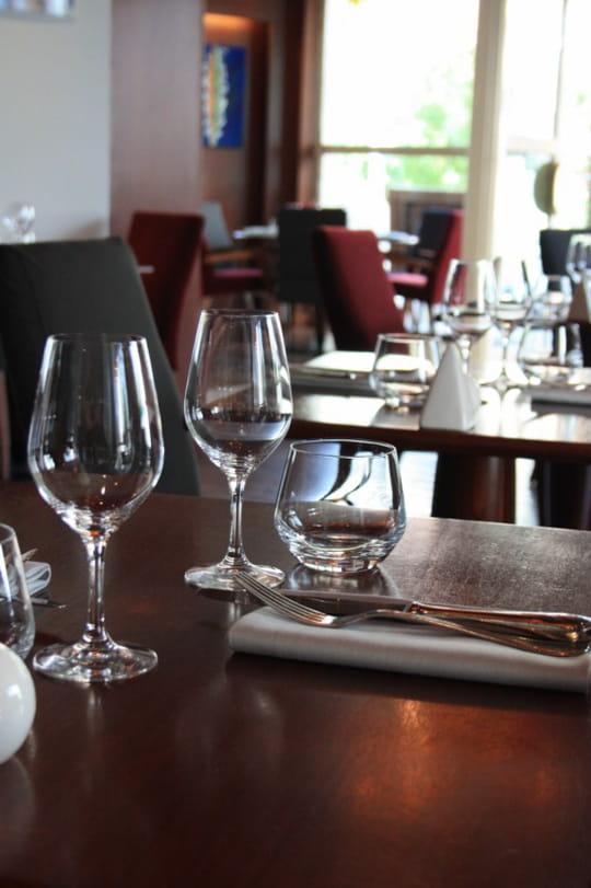 le 7 issy restaurant de cuisine traditionnelle issy les moulineaux avec l 39 internaute. Black Bedroom Furniture Sets. Home Design Ideas