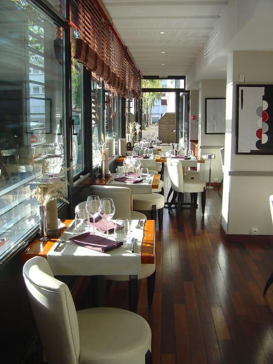 le quai des ar mes restaurant de cuisine traditionnelle lorient avec l 39 internaute. Black Bedroom Furniture Sets. Home Design Ideas