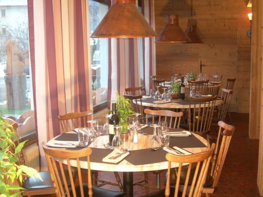auberge de costaroche restaurant de cuisine traditionnelle albertville avec l 39 internaute. Black Bedroom Furniture Sets. Home Design Ideas