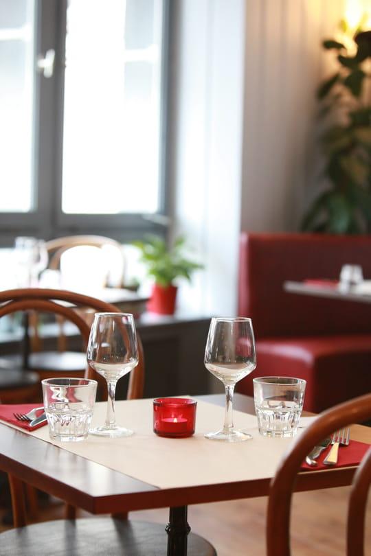 la source restaurant de cuisine moderne vannes avec l 39 internaute. Black Bedroom Furniture Sets. Home Design Ideas