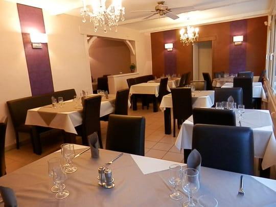 Restaurant 4 saisons-le tréport- salle de restaurant