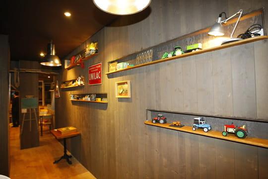 http://image-restaurant.linternaute.com/image/540/paris-le-petit-resto-dans-la-prairie-52090.jpg