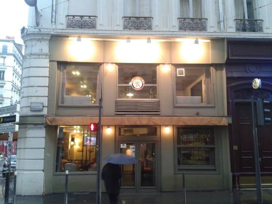405 Bar à Bières  - Facade autre du bar à bières le 405 Lyon -   © Mikael Brasero