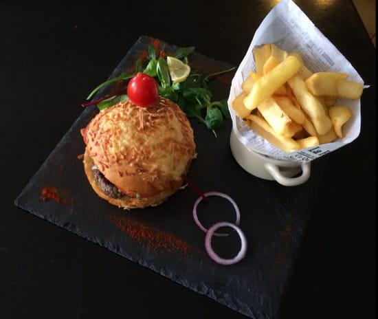 , Plat : A l'Ardoise  - Burger Classic Bacon ( pain artisanal ) -