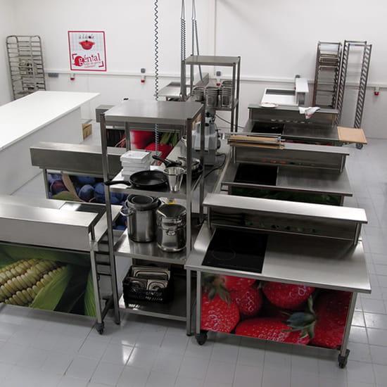 A l'Ecole de Cuisine  - plans de travail individuels -   © la matière vive