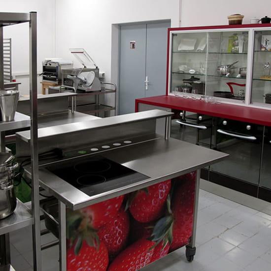 A l'Ecole de Cuisine   © la matière vive