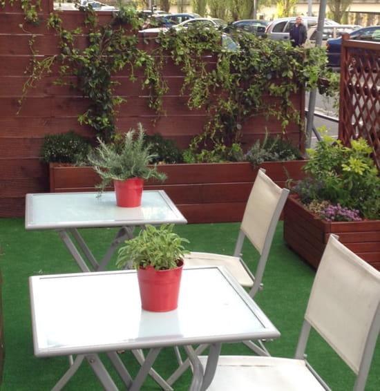 , Restaurant : Al Dente Melun  - Très Belle Terrasse fleurie...  -