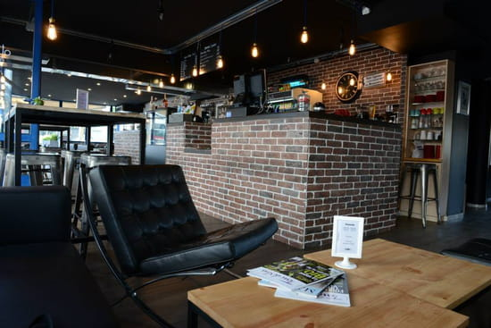 Amaretto Caffe Lounge