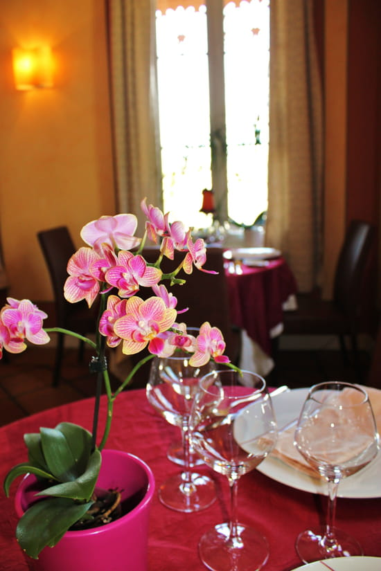 Au Pois Gourmand  - Salle du restaurant -   © Ugo Plazzotta