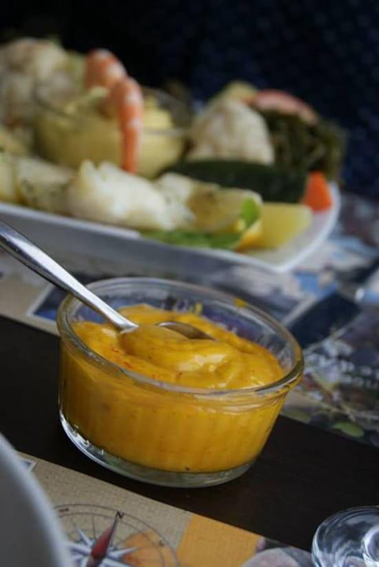 Au Poisson Gourmand  - sauce rouille avec marmitte du pêcheur  -   © leslie akindou