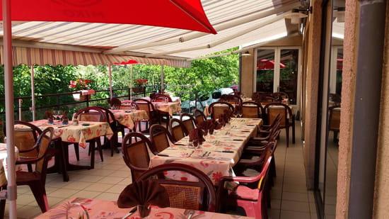 , Restaurant : Au Relais de la Truyère  - Terrasse -