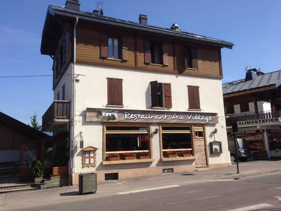 , Restaurant : Au Village  - En face de l'Office de Tourisme de COMBLOUX -