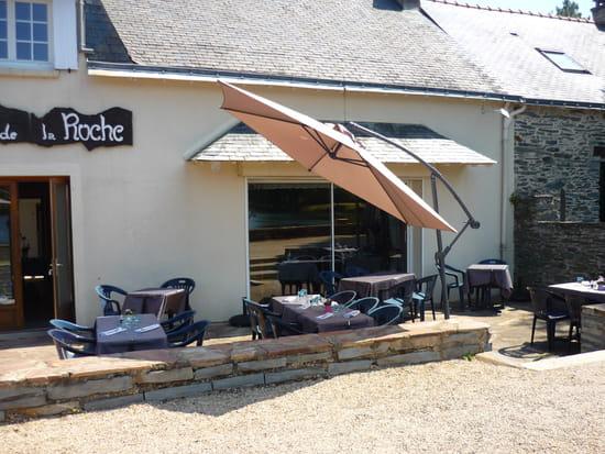 Auberge de la Roche  - la terrasse en été -