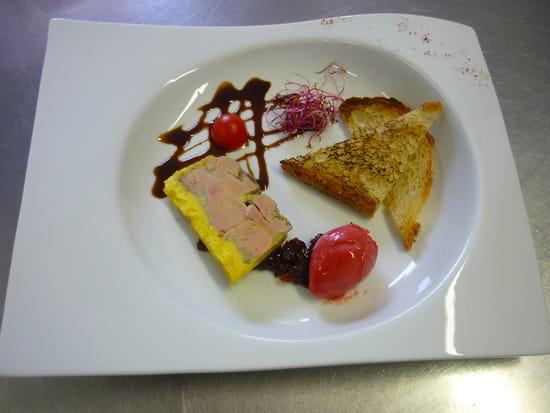 Auberge de la Roche  - Foie Gras de Canard mi-cuit maison, chutney de poivrons-framboises, sorbet framboises-poivrons -