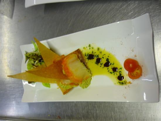 Auberge de la Roche  - Feuilles à feuilles d'avocat et haddock, vinaigrette basilic -