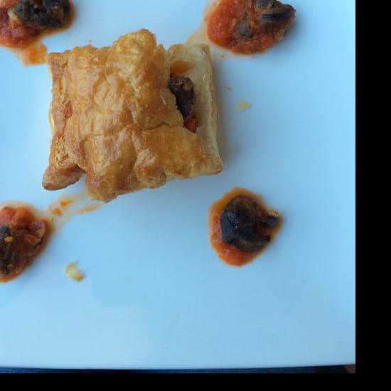 , Entrée : Auberge du Cheval Blanc  - Feuilleté d'escargot a la provençale  -