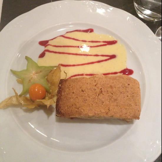 , Dessert : Auberge Médiévale  - Gâteau aux noix -