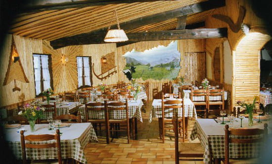 Auberge restaurant  de la Chaume du Grand Ventron  - salle restaurant chaume grand ventron -   © restaurant chaume grand ventron