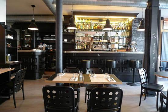 balthazar et cie bar classique paris avec linternaute. Black Bedroom Furniture Sets. Home Design Ideas