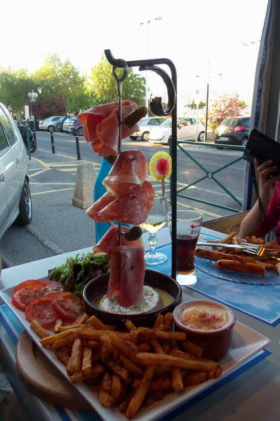 Bar des p cheurs brasserie bistrot saint mandrier sur for Restaurant st mandrier