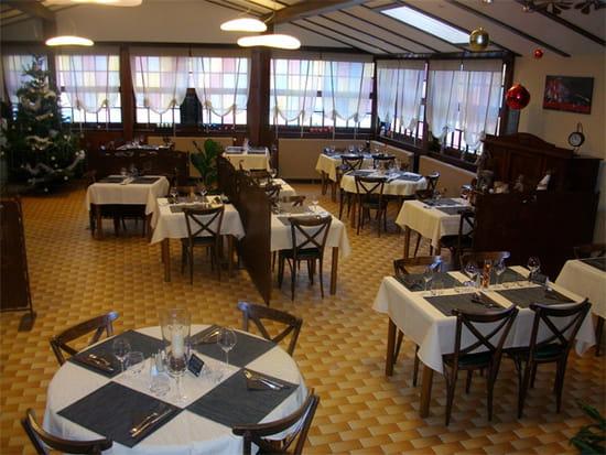 Bar Restaurant la Demi-Lune  - Notre salle de Restaurant -