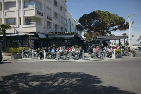 caf de la plage restaurant chez pierre restaurant de poissons fruits de mer arcachon avec. Black Bedroom Furniture Sets. Home Design Ideas