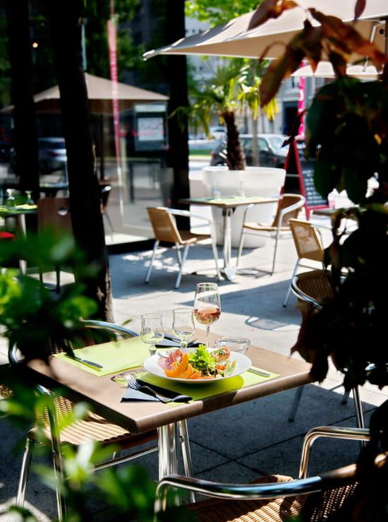 Café Pourpre Restaurant  - La terrasse -   © Pedrotti