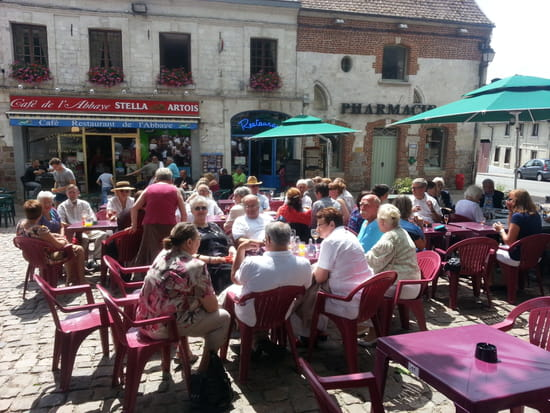 Café Restaurant de l'Abbaye  - La Terrasse du café l'été face à l'abbaye -