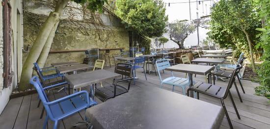 Café Sur Cour  - La cour -   © PM