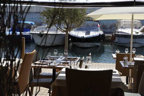 Cap santa lucia restaurant de cuisine traditionnelle - Restaurant port santa lucia st raphael ...