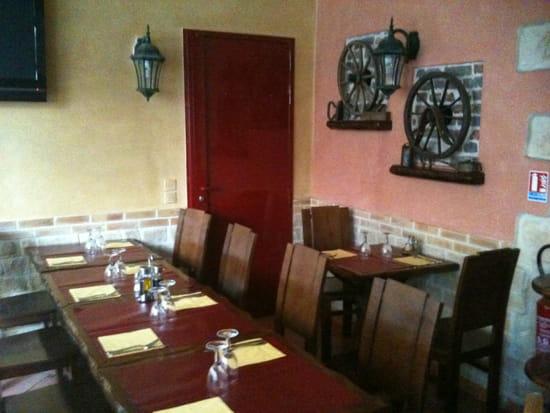 churrasqueira do povo restaurant portugais clichy avec linternaute. Black Bedroom Furniture Sets. Home Design Ideas