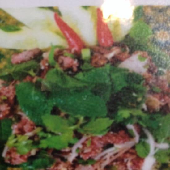 , Plat : Coliseum Bane Thaï  - Laab neuia ( bœuf haché citronnelle) -