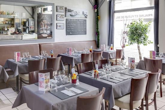 Creperie Praline et Fleur de Sel  - Salle 1 restaurant -   © PHL69